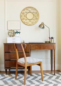 Clutter-free desk